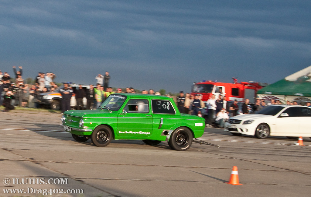 ЗАЗ 968А Халк против Mercedes AMG