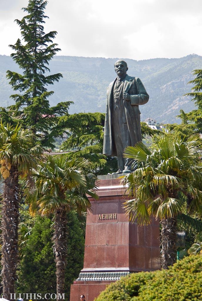 Ялта, набережная, памятник Ленину