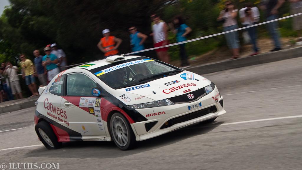 Yalta Rally 2011. Honda Civic с разбитым колесом