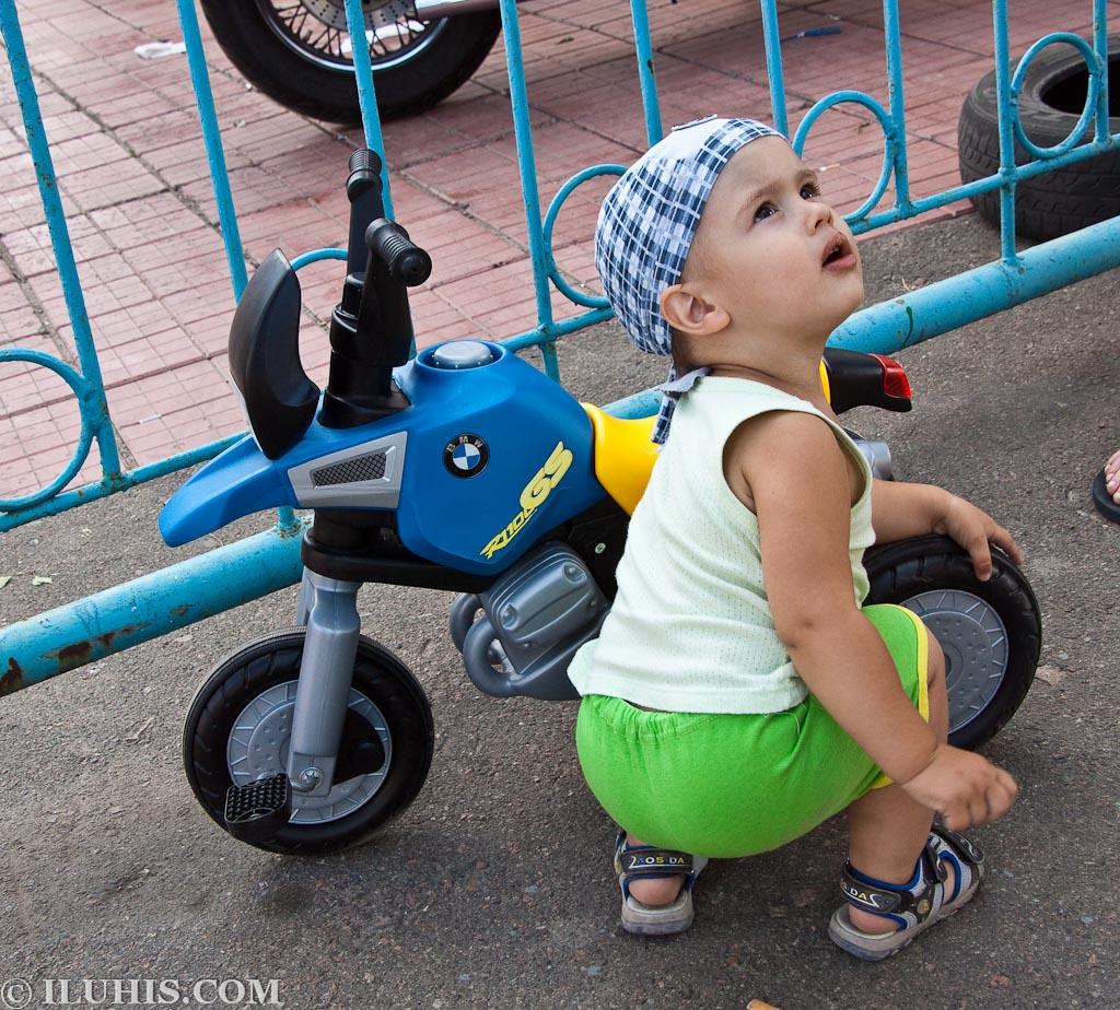 Детский велосипед BMW. 10-й Международный фестиваль BMW. Киев