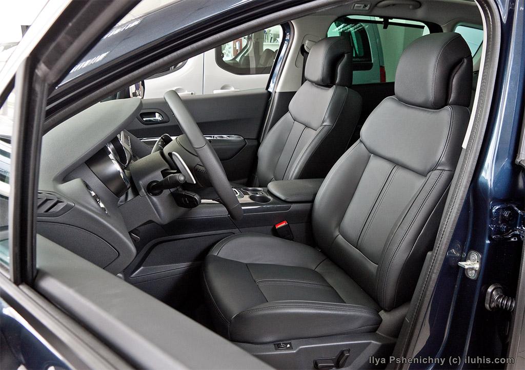 Салон Peugeot 3008. Peugeot 3008 interior