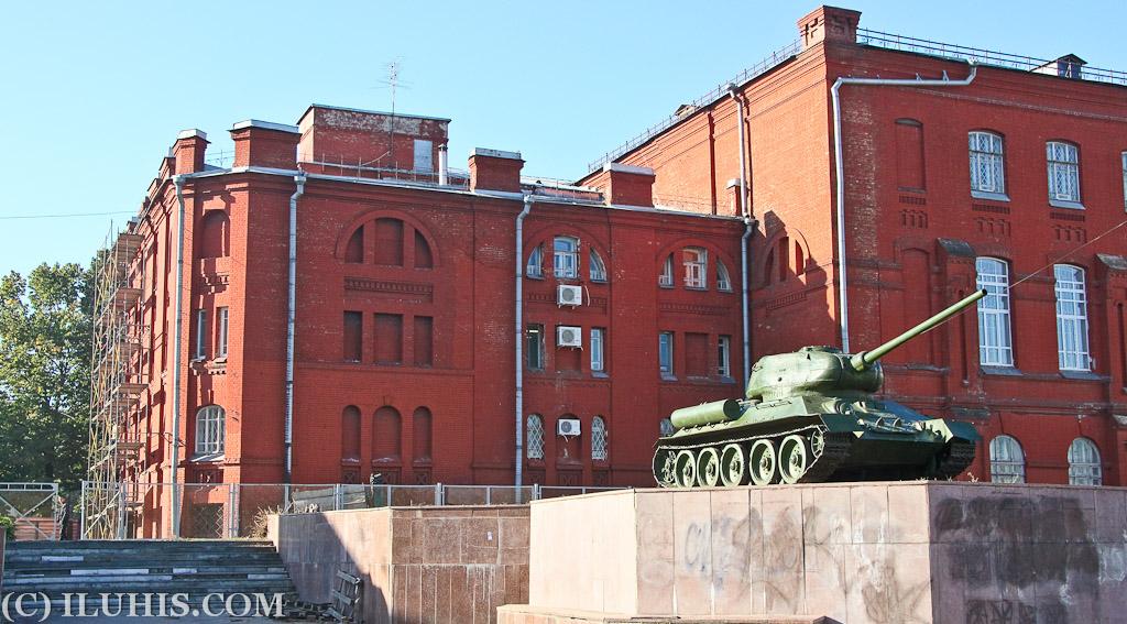 Танк. Харьков. Советская, площадь Конституции