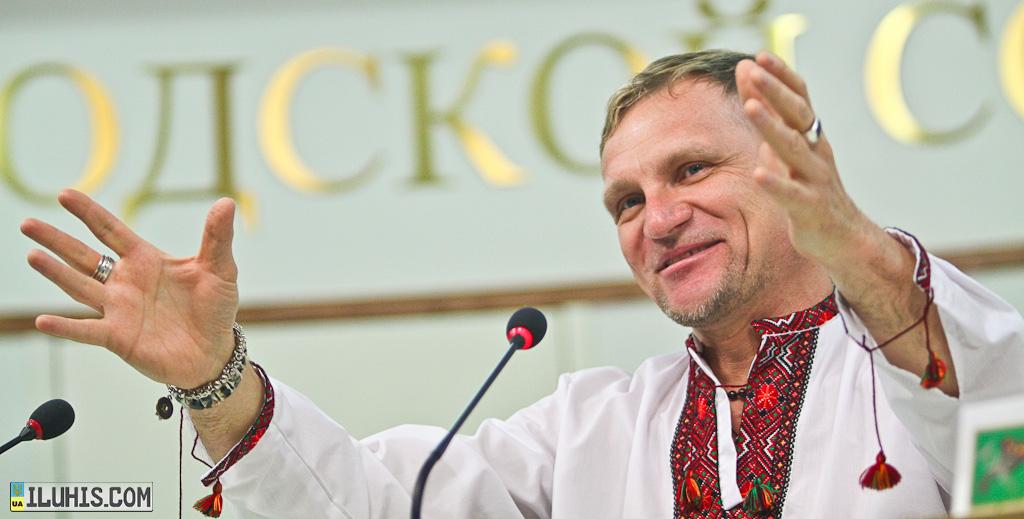 Олег Скрипка рассказывает про Парад Вышиванок