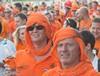 Шествие голландских болельщиков 13 июня в Харькове