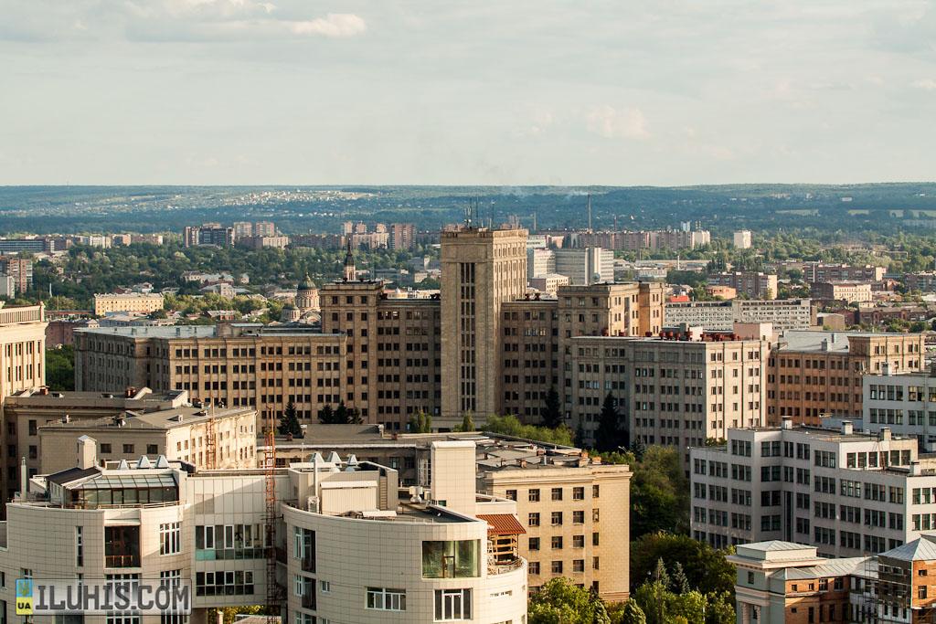 Главный корпус Университета им. Каразина.