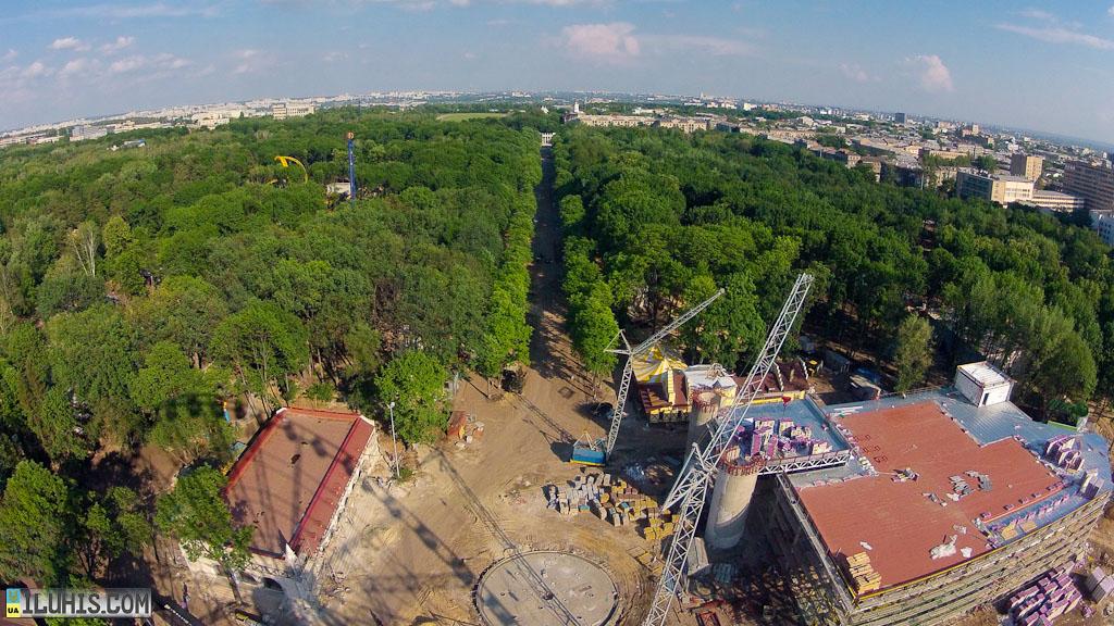 Вид с нового колеса обозрения в Харькове