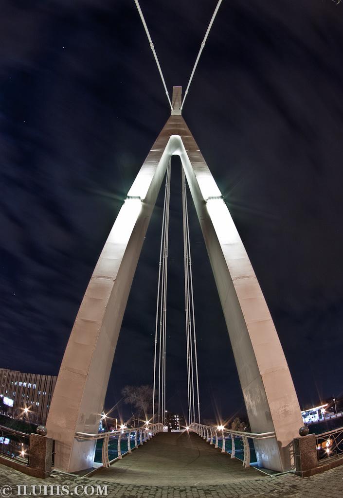 Новый подвесной мост в Харькове.